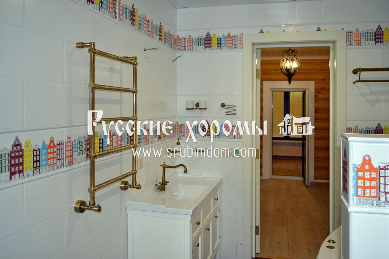Отделка деревянного дома - ванная комната в доме из бревна
