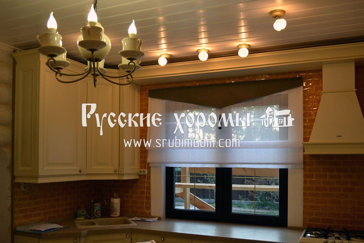 Отделка деревянного дома - полы на кухне дома из бревна