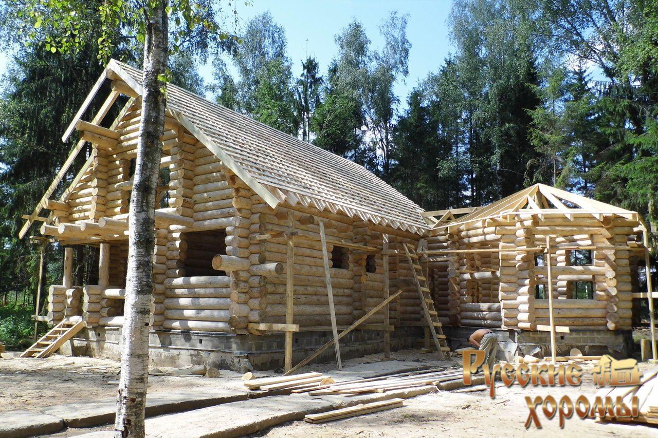 Строительство дома из бревна ручной
