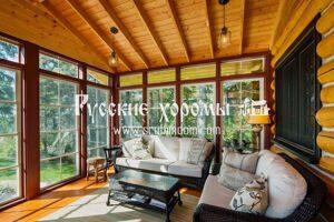Отделка потолка в доме из рубленного бревна - планкен. Особенности монтажа.