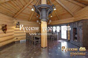 Необрезная окоренная доска в отделке потолка деревянного дома. Красота и аутентичность!